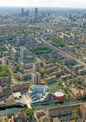 https://www.e-architect.co.uk/images/jpgs/london/bridge_academy_hackney_cabe110609_1.jpg